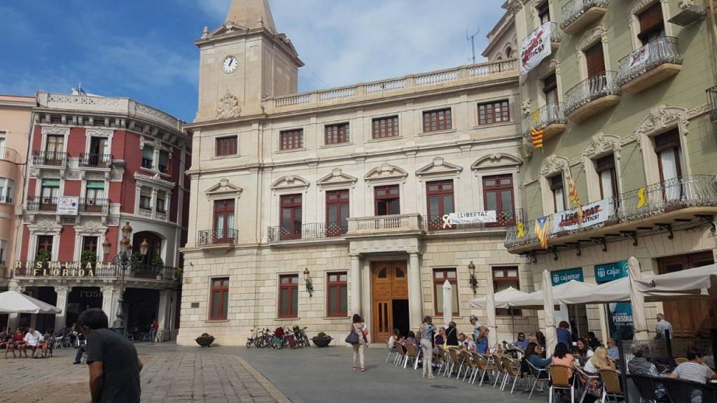 Ayuntamiento Reus pancarta libertad presos políticos