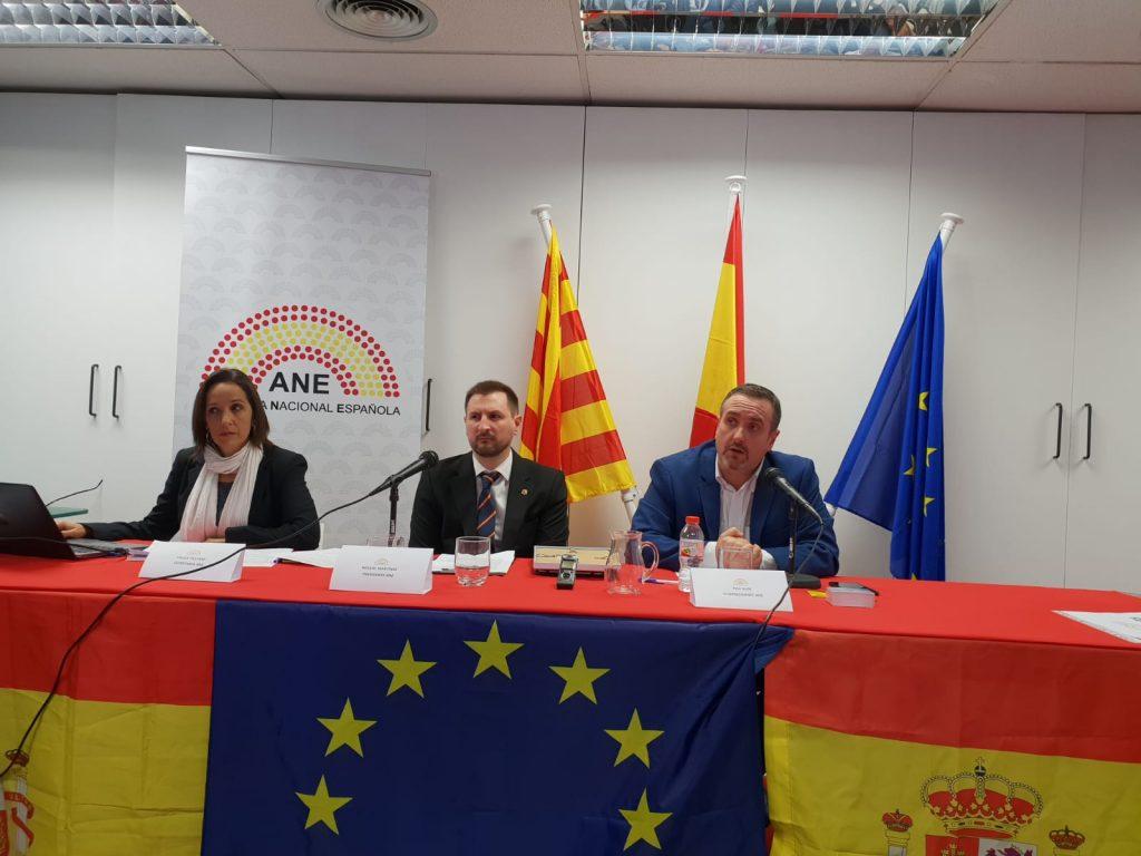 Paula Fiestras, Miguel Martínez y Pau Guix (Asamblea Nacional Española)